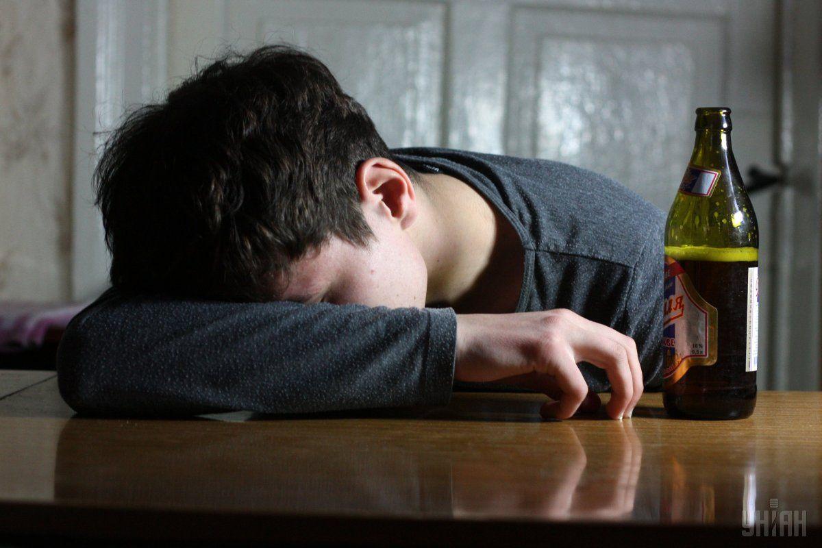 В Борисполе шестеро людей умерли через поддельный алкоголь / фото УНИАН