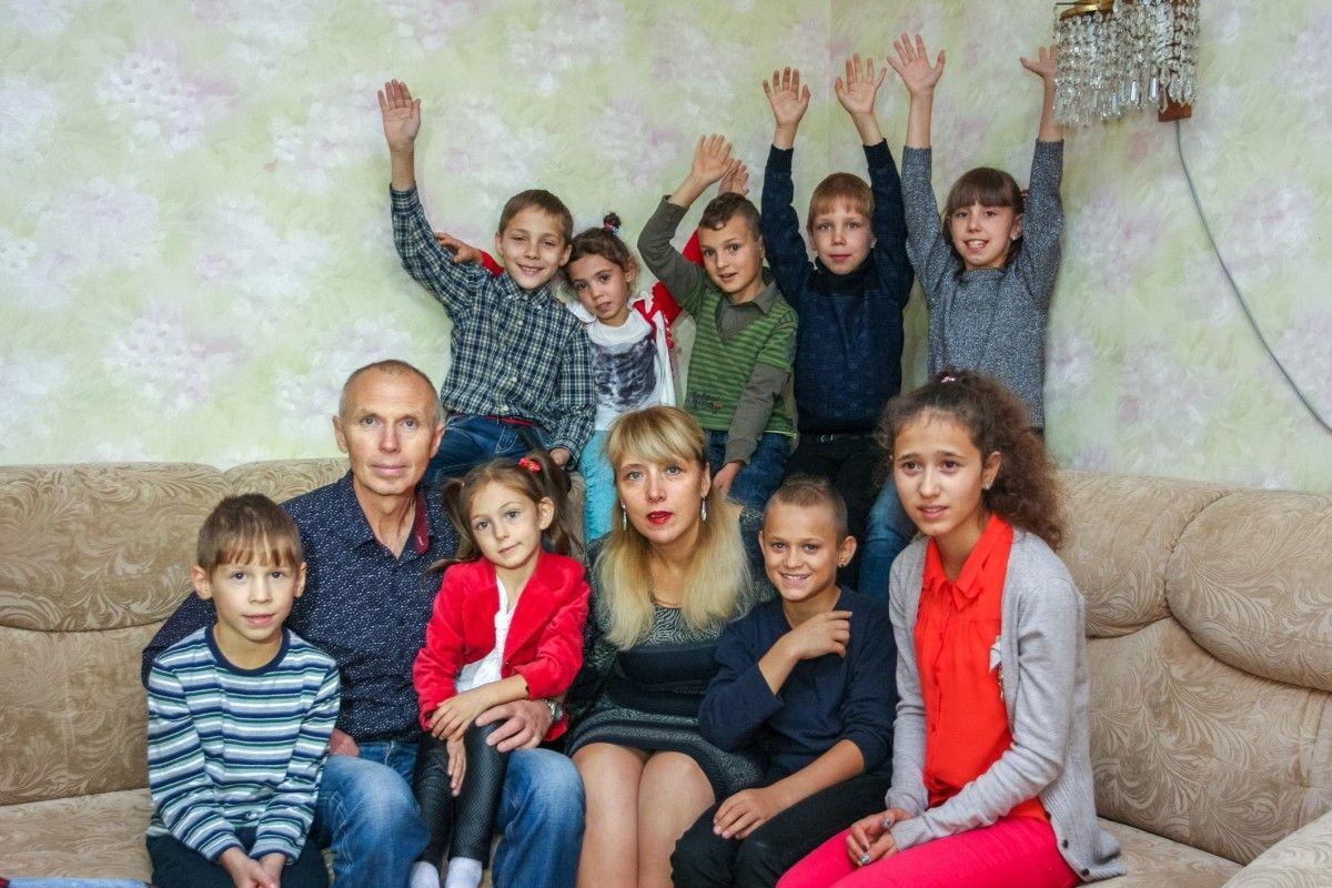 Филатова 7057 семей, нуждающихся в социальной помощи, получили выплату от городского совета в размере 1000 гривен