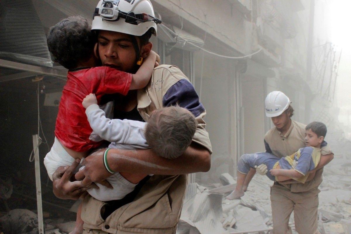 У жителей Алеппо нет безопасных путей для эвакуации / REUTERS
