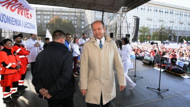 Министр Константин Радзивилл выступил перед протестующими / Фото: polradio.pl