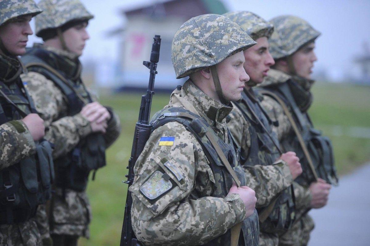 У Генштабі розповіли, кого викликатимуть до військкоматів / facebook.com/petroporoshenko