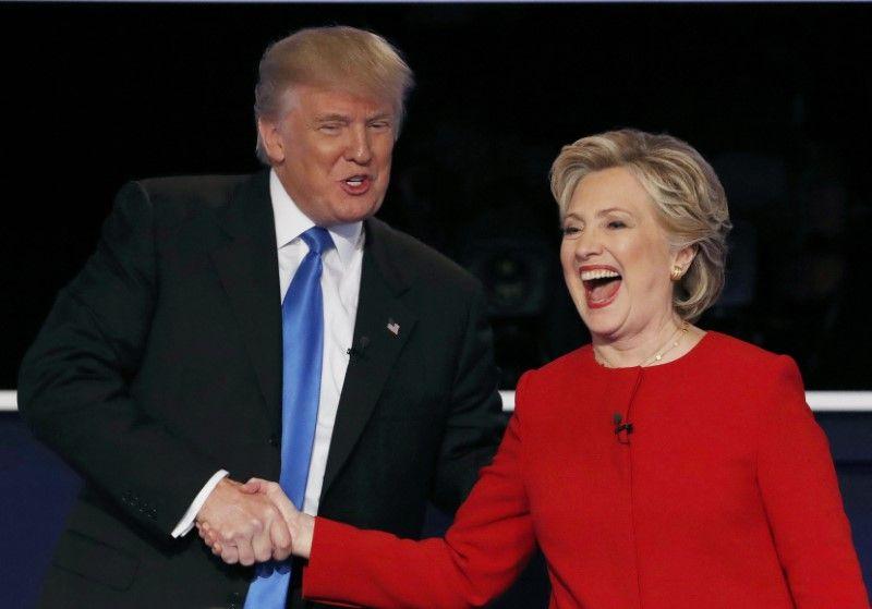 Дональд Трамп и Хиллари Клинтон на первых дебатах в США / REUTERS