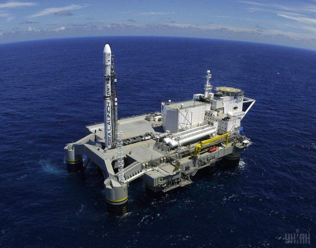 """""""Морской старт"""" - единственный в мире проект, который осуществляет запуски из района экватора с плавучей платформы в Тихом океане / фотоУНИАН"""