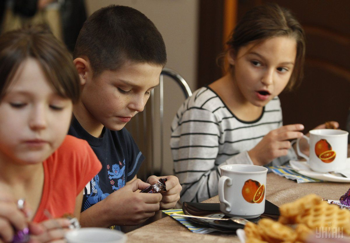 Діти особливо залежать від своєчасної сплати аліментів / фото УНІАН