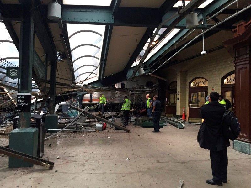 Аварія на вокзалі в Нью-Джерсі / Фото REUTERS