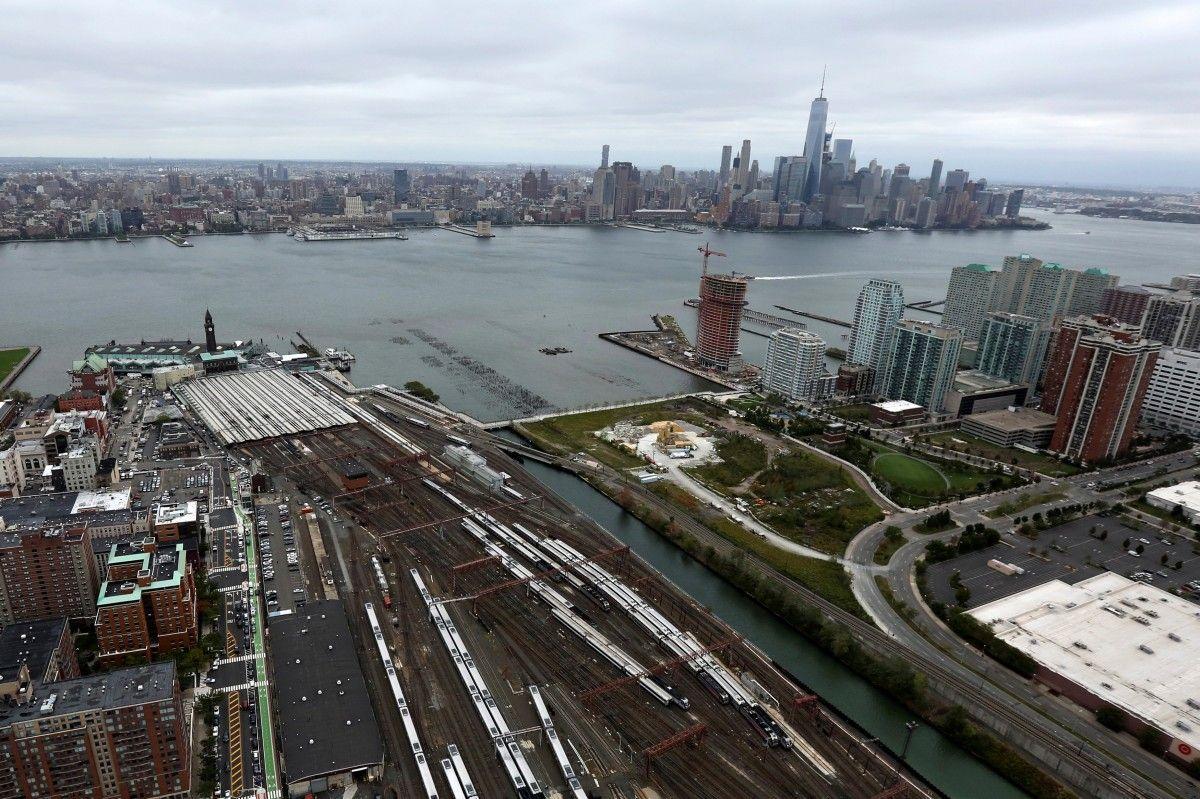 Вид на вокзал у Нью-Джерсі та Манхеттен / Фото REUTERS