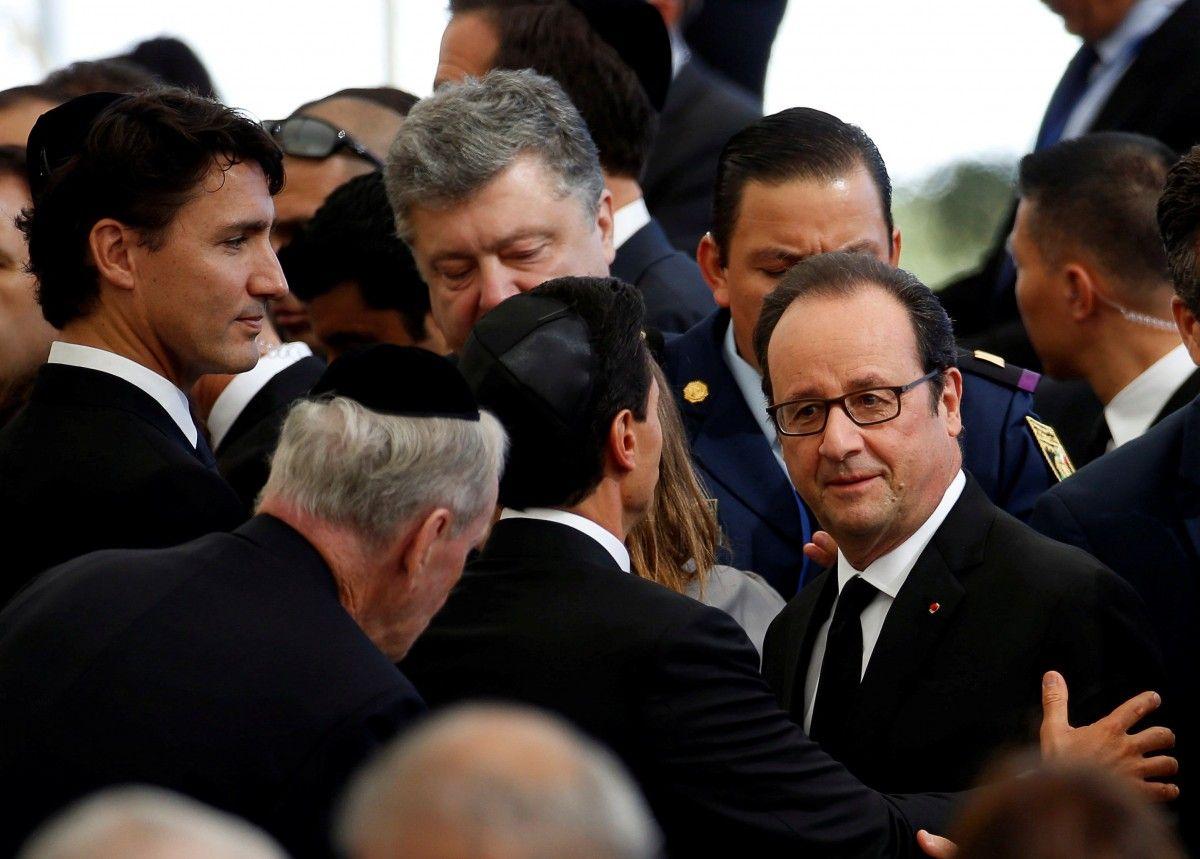 Порошенко на церемонії прощання з Пересом / REUTERS