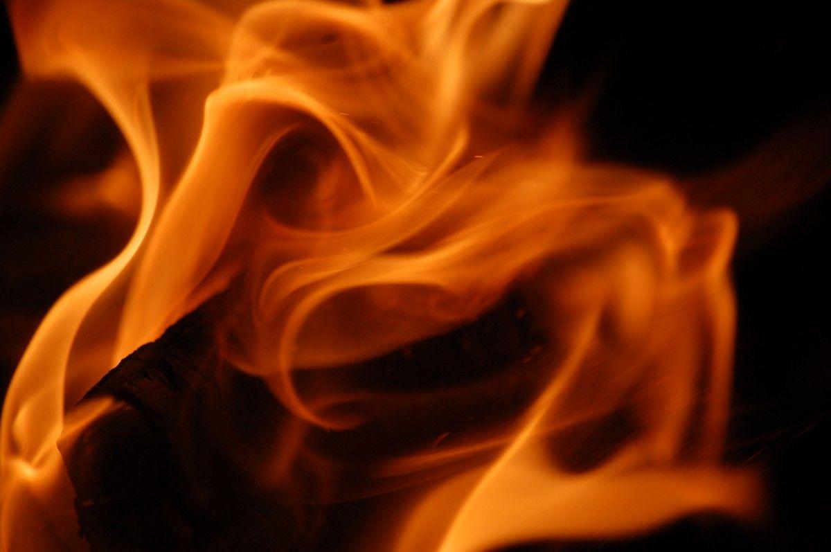 В результате пожара один военнослужащий погиб / фото pmg.ua