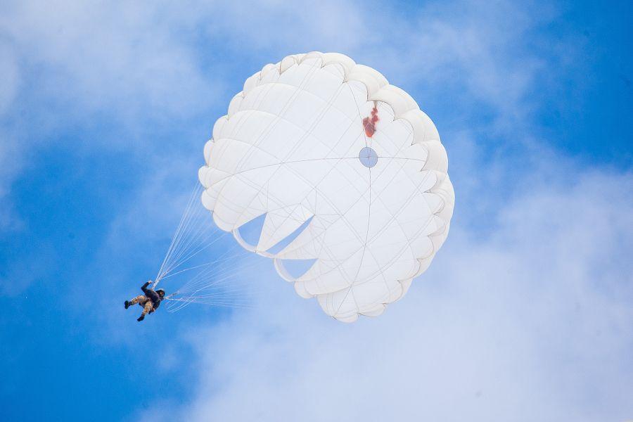 Парашютная система может использоваться для базовой воздушно-десантной подготовки / ngu.gov.ua. Андрей Некрасов