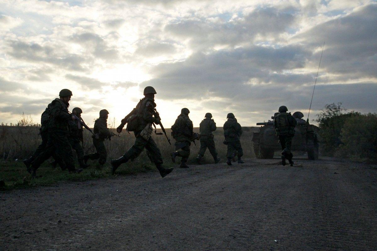 Россия усиливает боеготовность своих сил на Донбассе / REUTERS