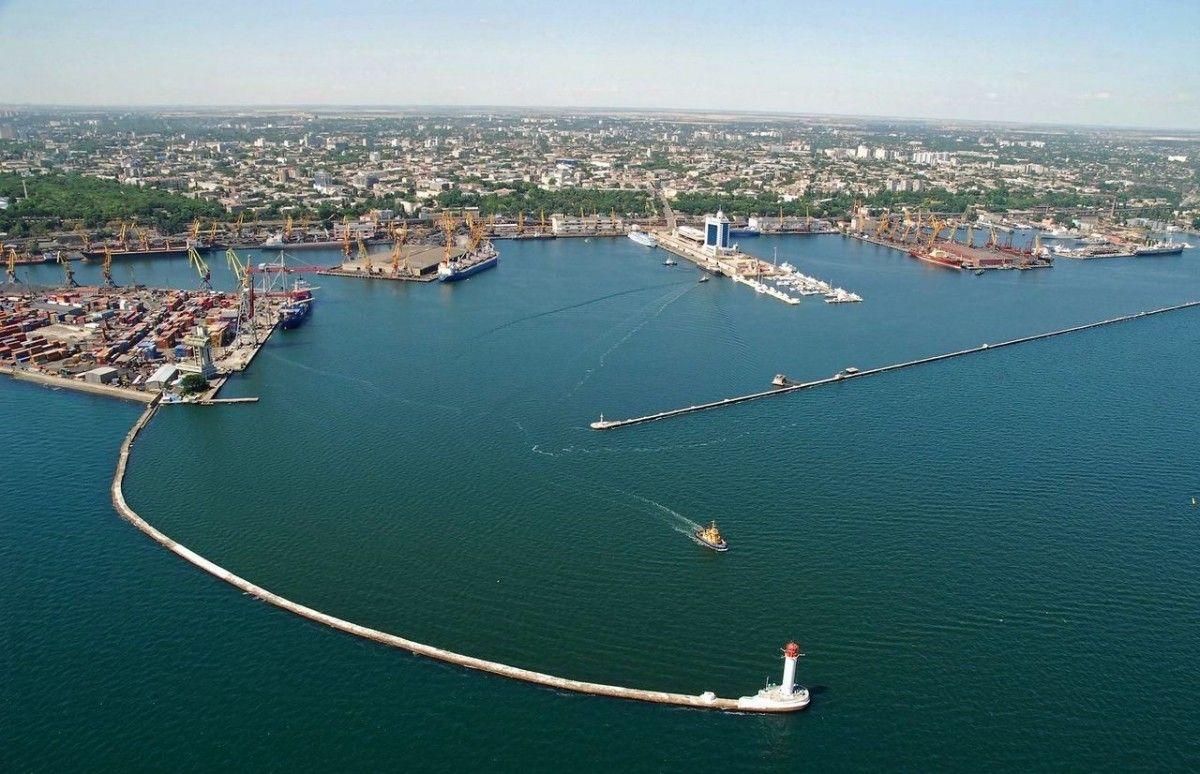 Экологи утверждают, чтоакватория Одесского порта гниет, в прямом смысле этого слова/vv.com.ua