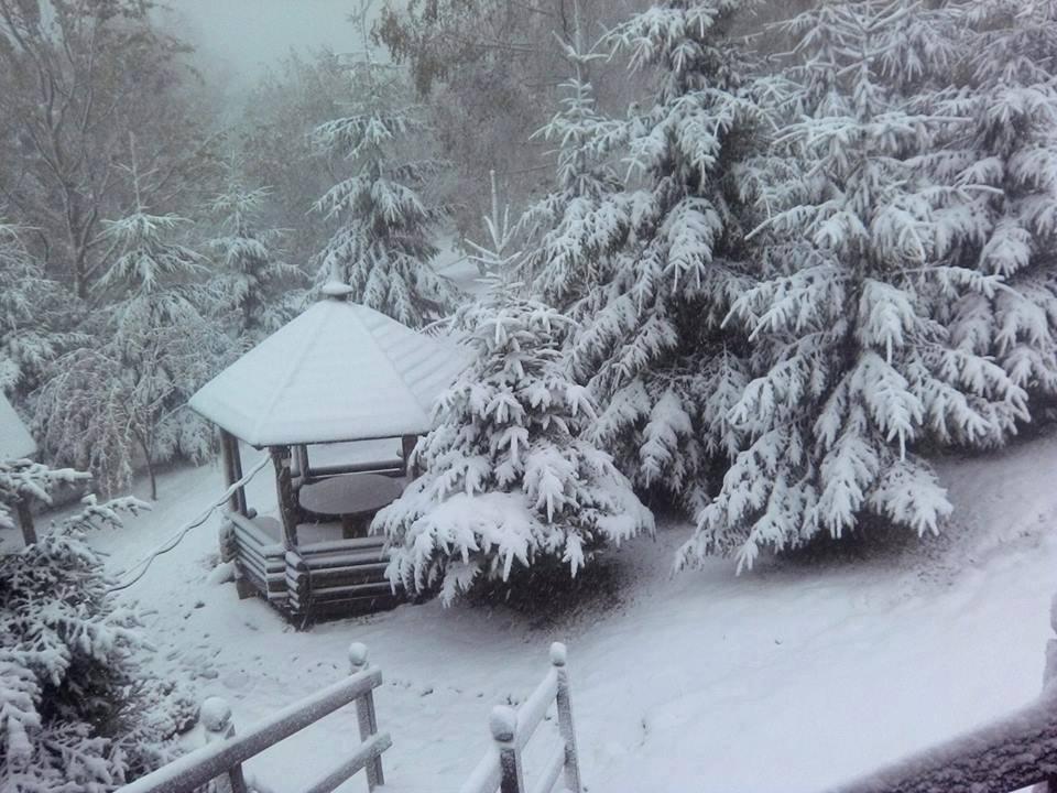 Похолодание по-настоящему пришло в Украину - так выглядит Буковель 5 октября / www.facebook.com/bukovel