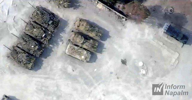В Раздольном замечены танки и другая техника / informnapalm.org