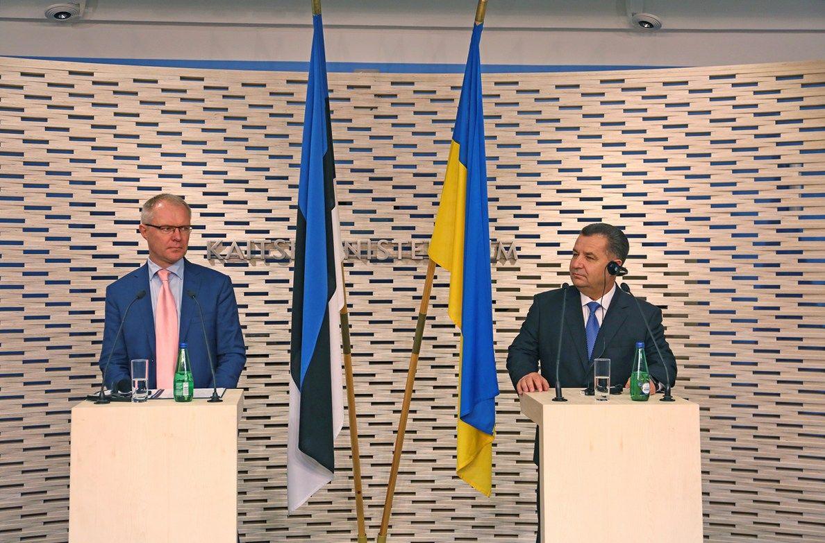 Министр обороны Эстонии Ханнес Ханс и Степан Полторак / Фото mil.gov.ua