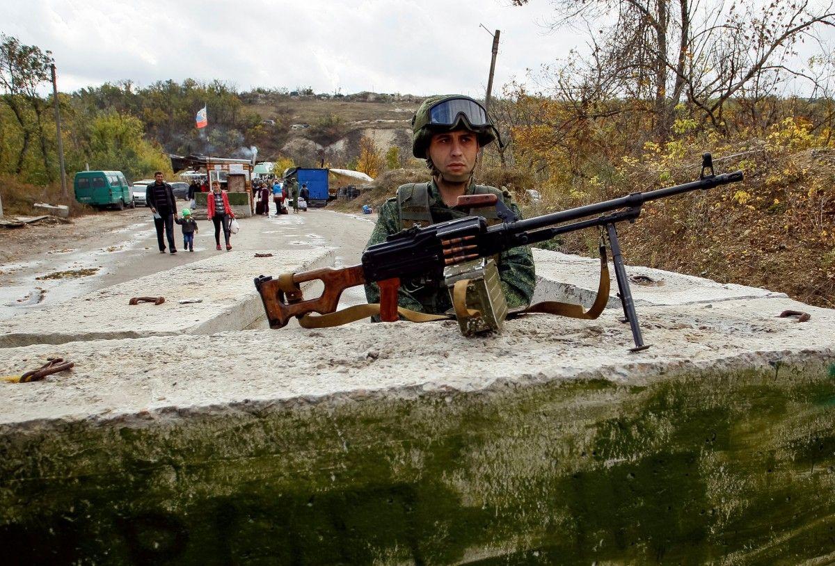 Боевики обстреляли жилые кварталы Сухой Балки: умер местный гражданин