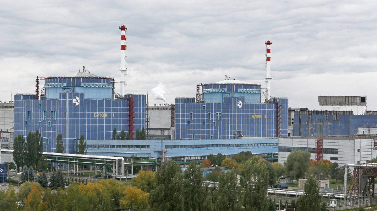 Зараз на Хмельницькій АЕС в роботі перебувають два енергоблоки / фото УНІАН