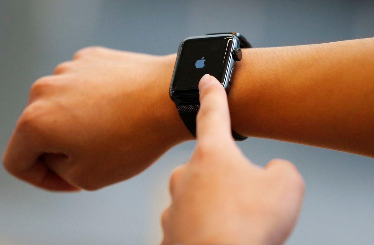 Apple ранее задумывалась над созданием более прочной модели часов \ фото REUTERS