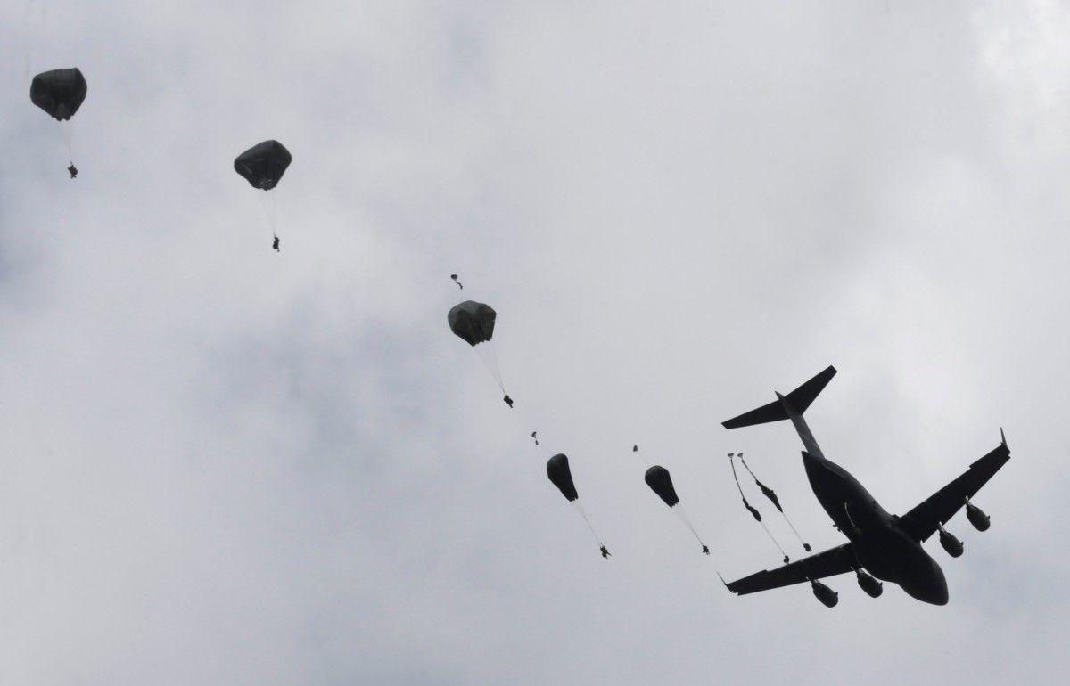 Учения американских десантников в Латвии / REUTERS