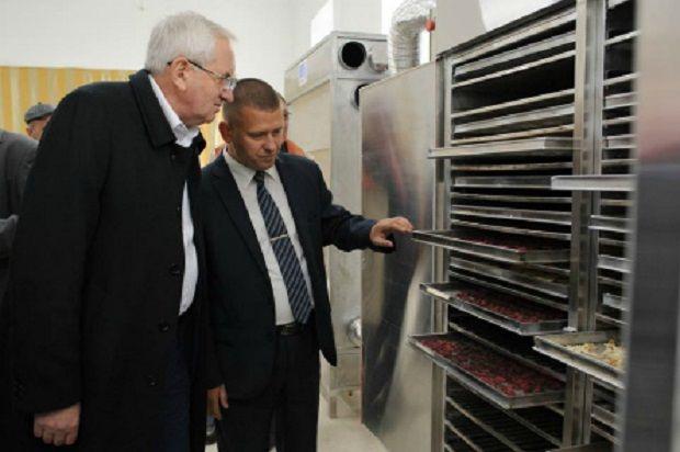 Відкриття кооперативу для виробництва сухофруктів в Тернопільській області / Фото УНІАН