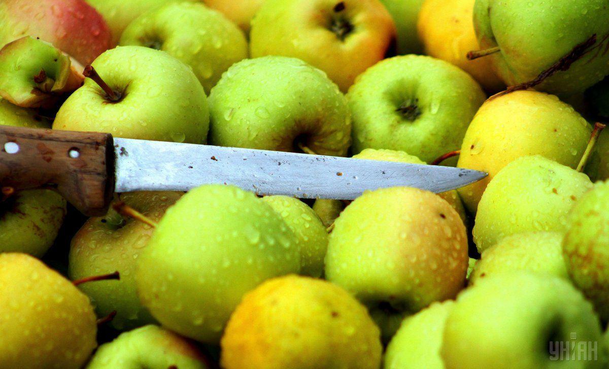 Яблоки и арахисовое масло дают удивительно приятный вкус вместе \ УНИАН