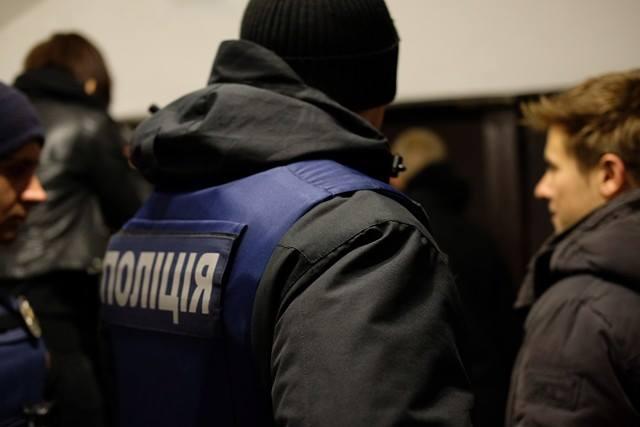 На місце події прибула поліція / ФОТО molbuk.ua