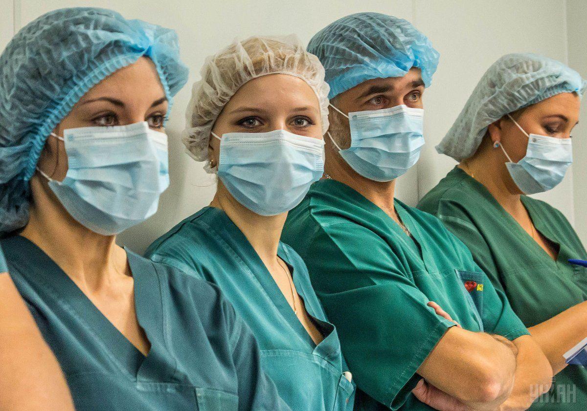 Медперсонал санатория в Новых Санжарах, где будут находиться эвакуированные из Китая украинцы, не увольнялся / фото УНИАН