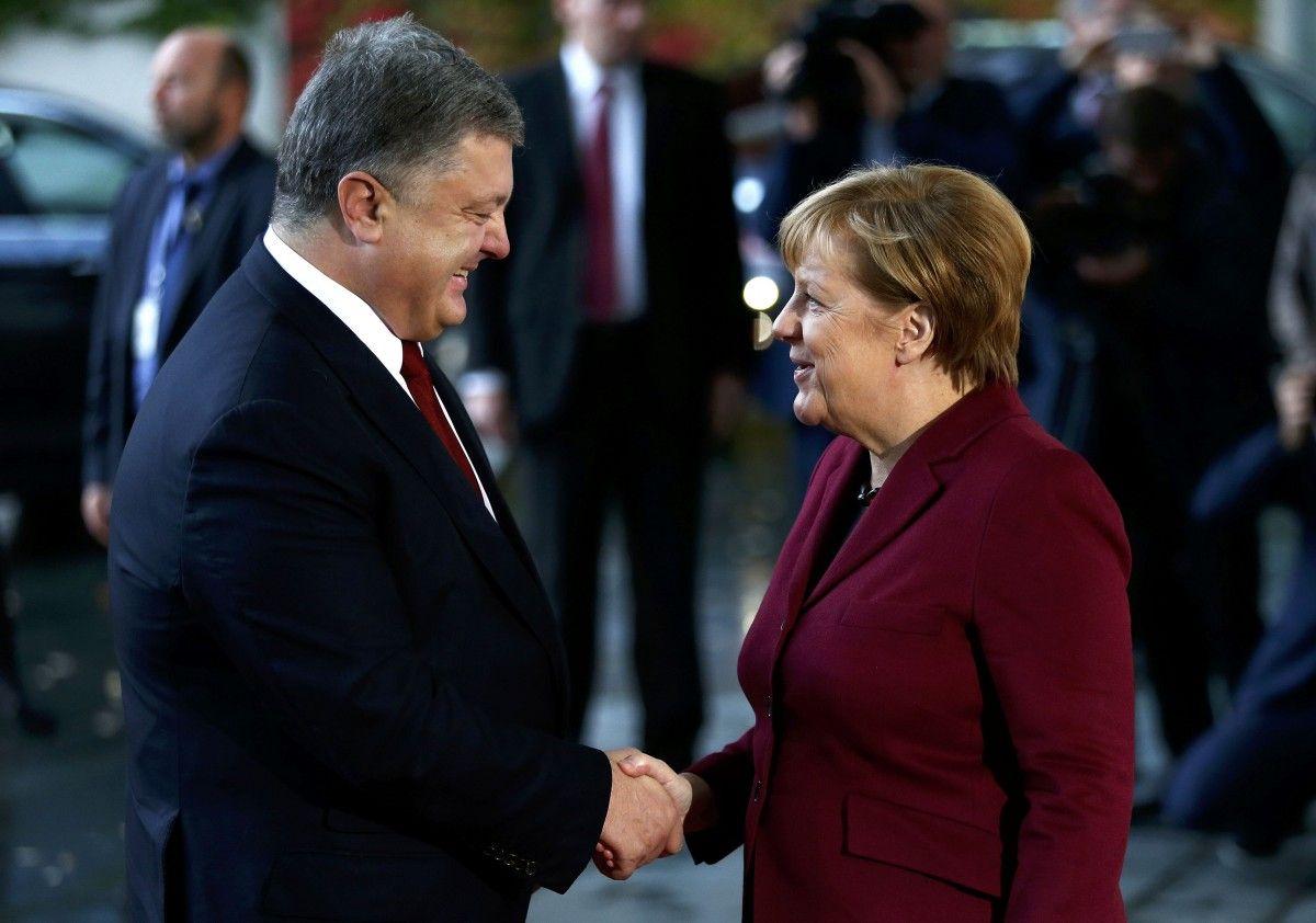 Петро Порошенко та Ангела Меркель / REUTERS