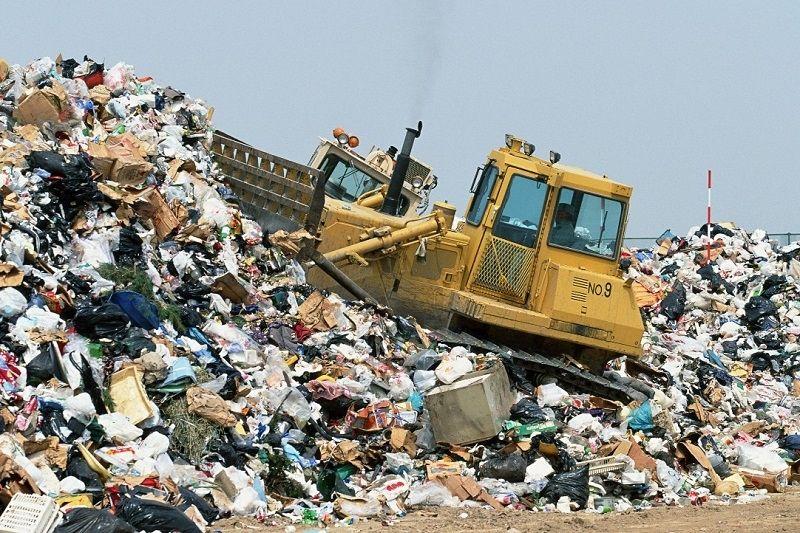 Переполненные мусорные свалки - большая проблема для Украины / dpchas.com.ua