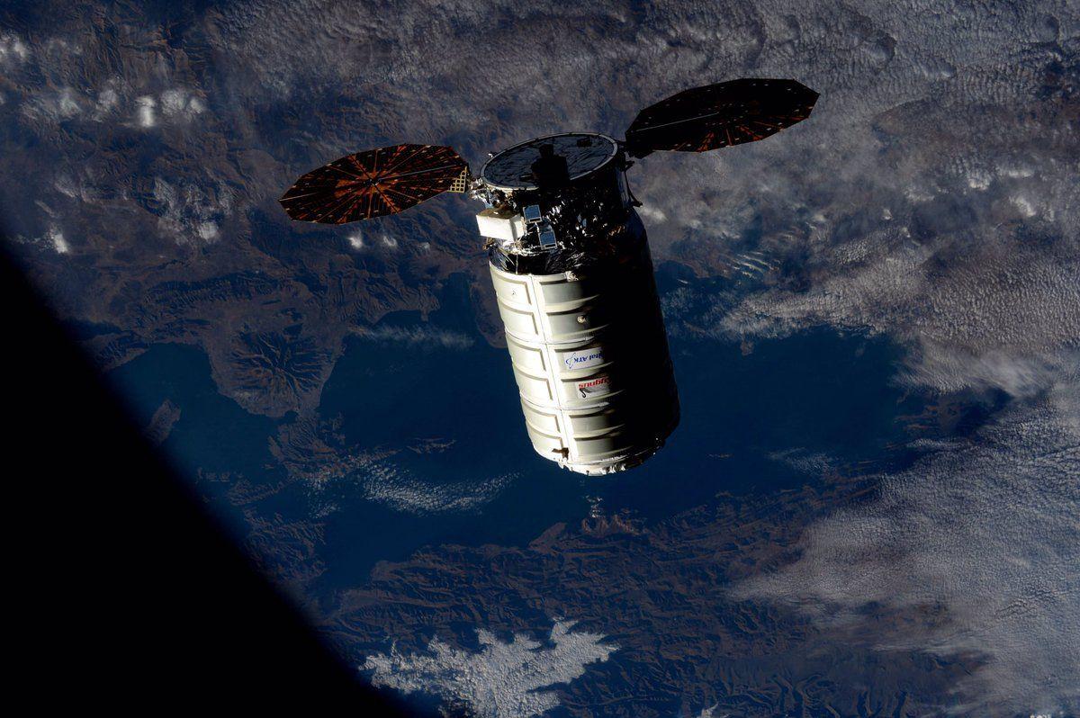 Космічний корабель Cygnus зістикувався з МКС / twitter.com/NASA_Astronauts