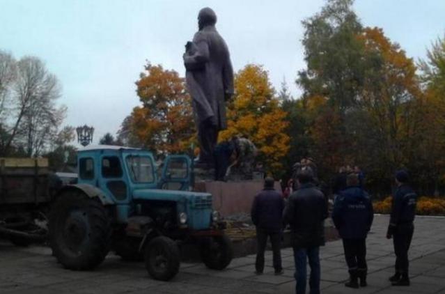 В Україні впав останній пам'ятник Леніну / espreso.tv
