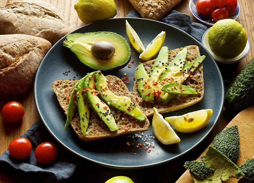 Названа користь авокадо / фото 4mama.com.ua