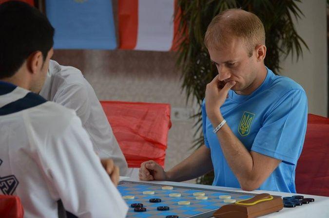 Анікєєв завоював срібло чемпіонату Європи / shashki.com
