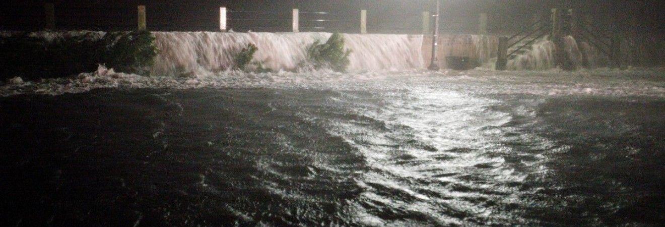 На грецькому острові Сімі через повінь оголосили режим надзвичайної ситуації