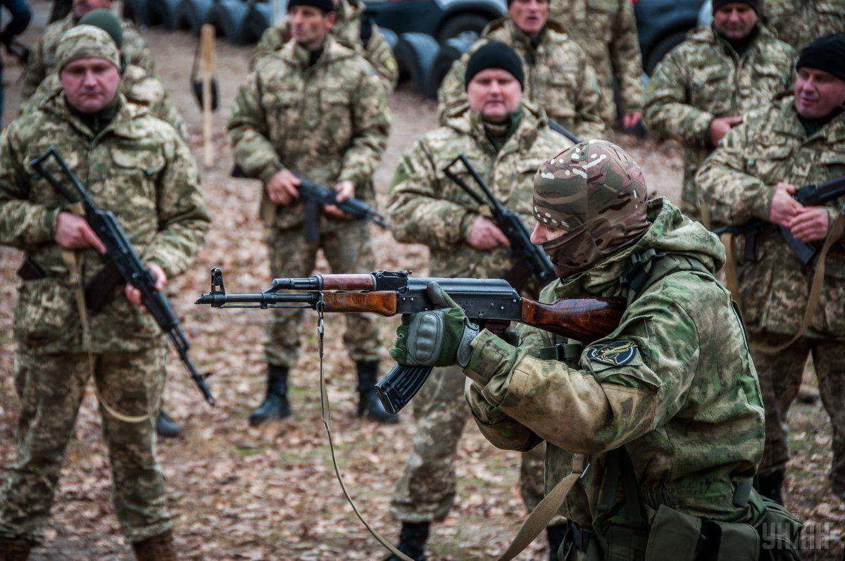Військові відпрацьовували практичні вправи стрільби / Фото УНІАН
