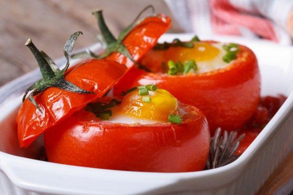 помидоры богаты содержанием селена, который играет важную роль в развитии половой системы организма. Селен хорошо усваивается с витамином Е, что содержится в яйцах /  / Фото: enpratikkadin.com