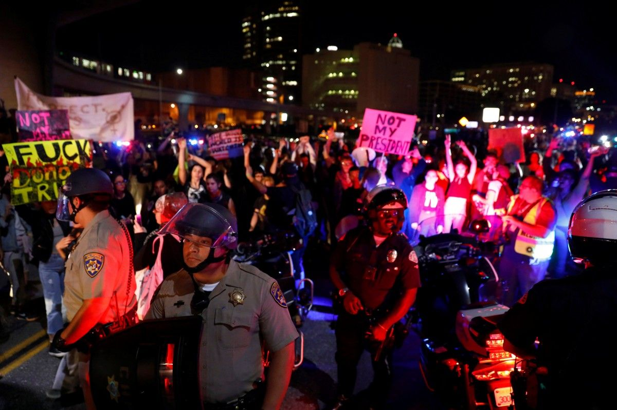 Протесты против избрания Трампа президентом в США / REUTERS