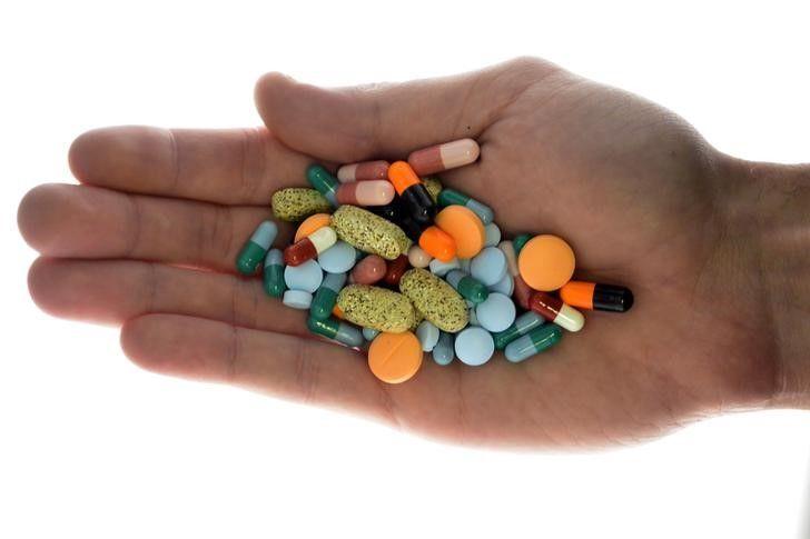 Комаровський назвав ознаки несправжніх ліків / фото REUTERS