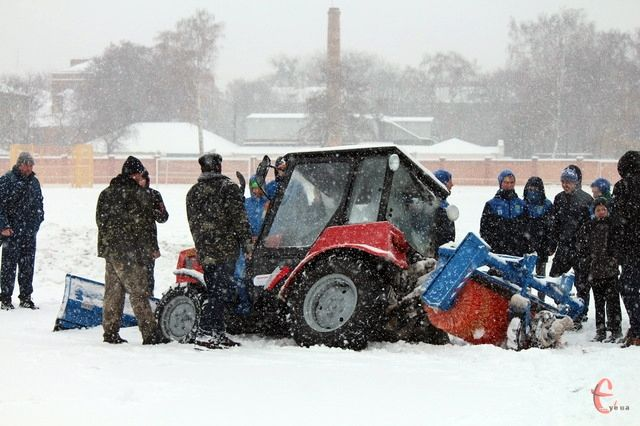 Трактор до поля в Хмельницком не доехал / ye.ua