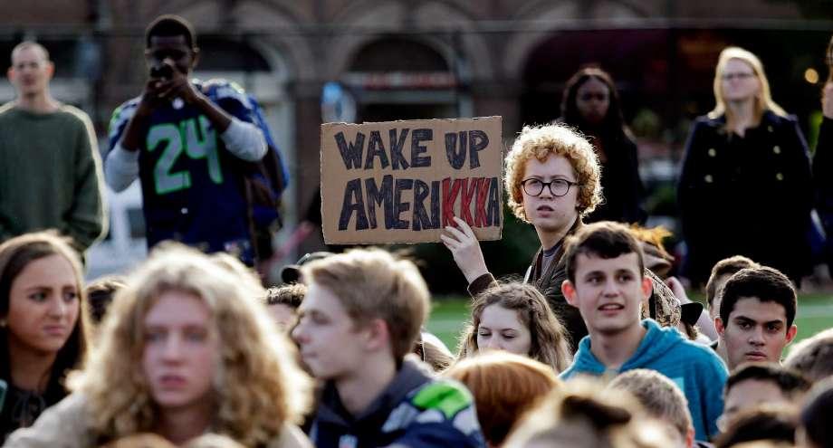 Подростки из государственных и частных школ прошли маршем по Капитолийском холму / seattlepi.com