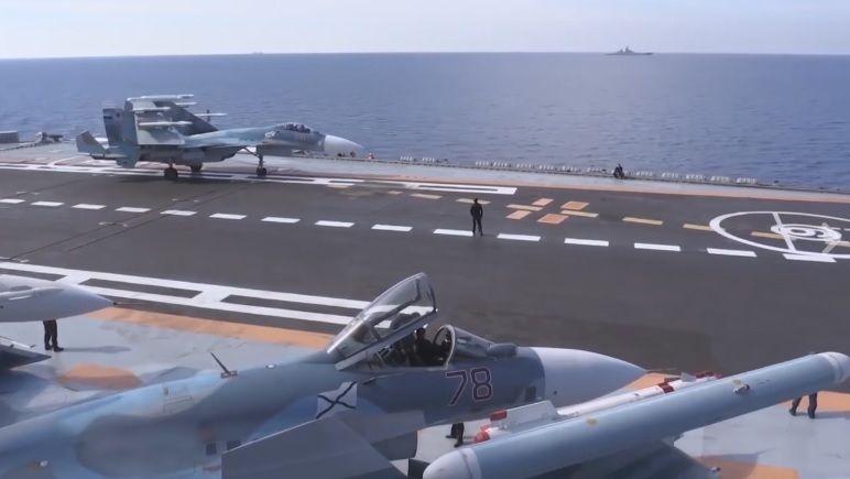 Особая концентрация кораблей РФ, по данным президента, находится в районе Керченского пролива / скриншот видео