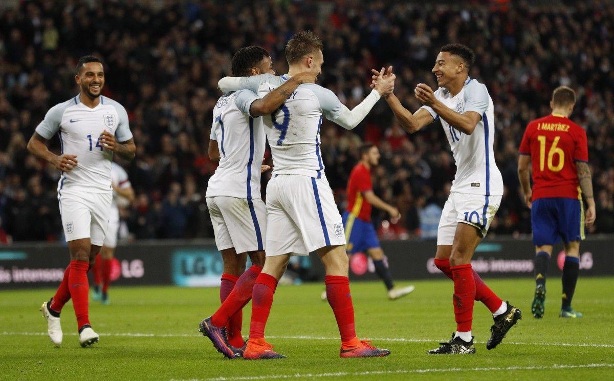 Джейми Варди отмечает второй гол в ворота Испании / Reuters