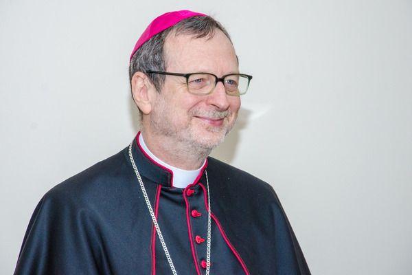 Апостольский Нунций в Украине (Посол Ватикана в Украине) архиепископ Клаудио Гуджеротти