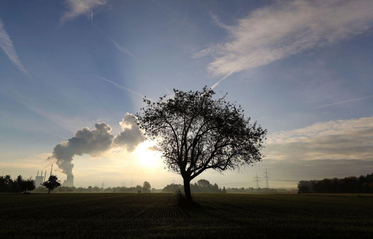 Япония занимает пятое место в мире по выбросам углекислого газа \ фото REUTERS