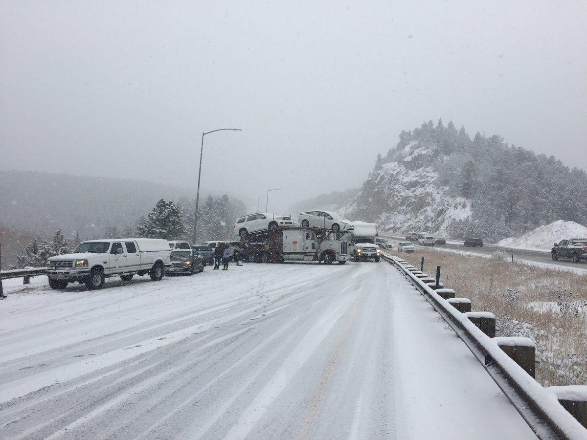 Сніговий шторм призвів до транспортного колапсу в Колорадо / twitter.com @CSP_Golden