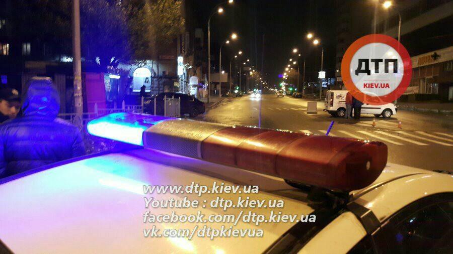 Сотрудница полиции госпитализирована / Фото facebook.com/dtp.kiev.ua