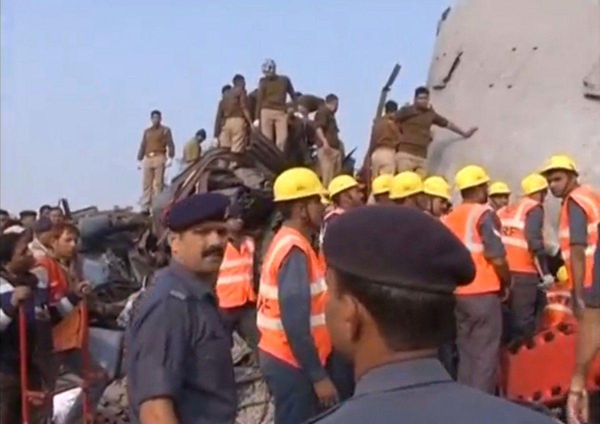 Залізнична аварія в Індії / REUTERS