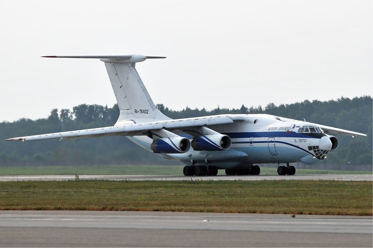 Ilushin-76 cargo planes are used to deliver outsized or heavy cargo unable to be carried on the ground / modernweapon.ru