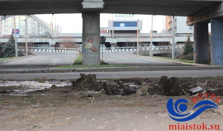 Конструкція встояла після вибуху, але потім впала з-за сильних поривів вітру / Фото miaistok.su
