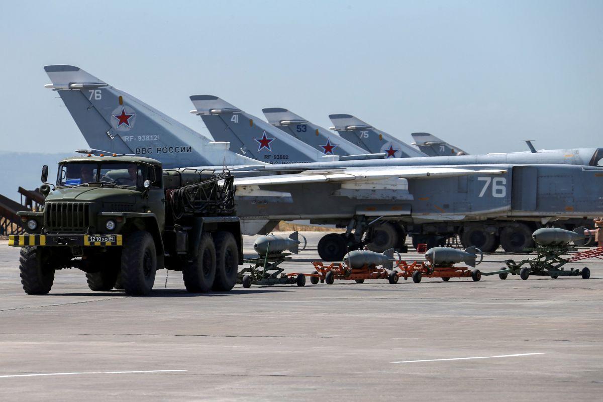 Российские самолеты на базе Хмеймим, иллюстрация / REUTERS