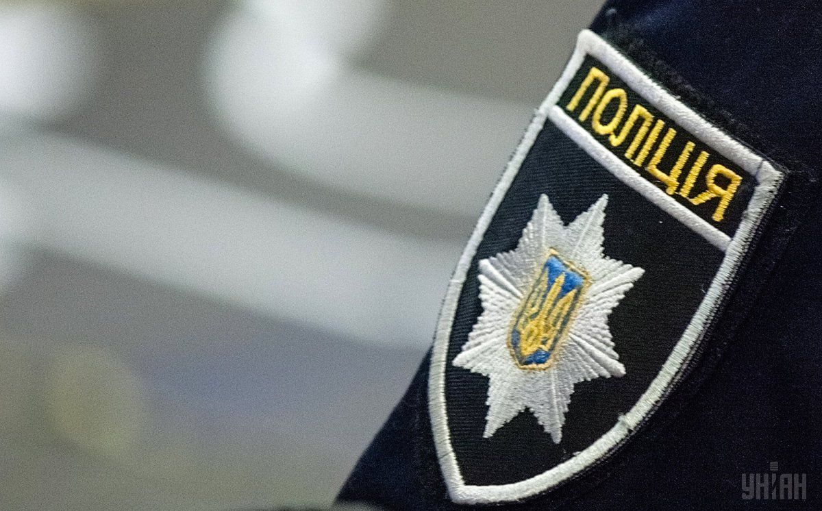 Злоумышленника задержали и доставили в участок / фото УНИАН